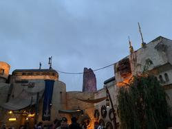 Travel to a galaxy far, far away in Star Wars: Galaxy's Edge