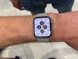 Amazon has the best Apple Watch Series 5 discount available right now