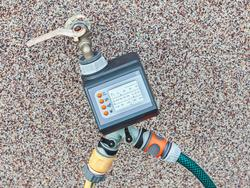 Spray on schedule, thanks to these hose timers