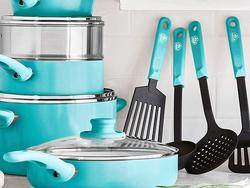 Ceramic cookware sets to make cooking and cleanup easy