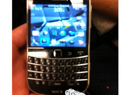 BlackBerry Bold 9930 for Sprint Caught in the Wild (pic)