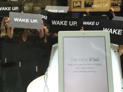 RIM Confesses to Organizing 'Wake Up' Protest Outside Australian Apple Store