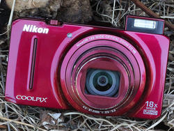 Nikon Coolpix S9300 review: Sleek and Slow