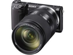 Sony's NEX-5R Introduces Fast Hybrid Autofocus and Wi-Fi Connectivity