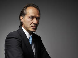 """T-Mobile CEO: AT&T is """"Going to Be Toast"""" After CES Announcement"""