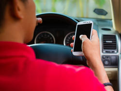 Federal Survey: Laws Banning Cell Phone Use While Driving Aren't Working