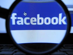Facebook to Test PayPal Competitor for Mobile Payments