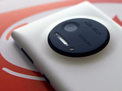 Here's How Nokia's Fancy New Lumia 1020 Camera Works