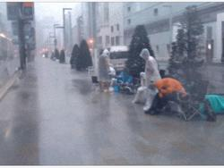 Japanese Apple Customers Brave Typhoon for iPhone 5S
