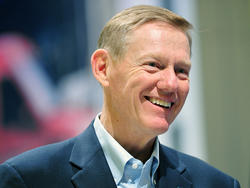 """Ford CEO Alan Mulally Says He Has """"No Plans"""" To Leave"""
