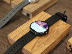 Moto 360 Unboxing and Hands-On: The First Killer Android Wear Watch Is Here