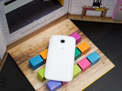 Moto E Unboxing: Android Lollipop for just $119