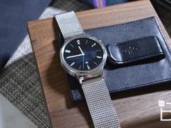 Moto 360 (2015) and Huawei Watch available to pre-order through Google Store