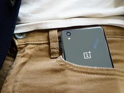 OnePlus X hands on: Form meets function