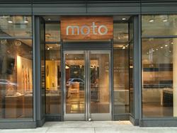 Moto Shop to open for holidays loaded with new phones, wearables
