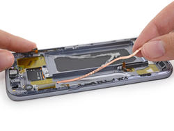Galaxy S7 gets terrible repairability score from iFixit