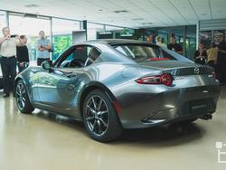 Mazda MX-5 RF is a stunner with a cool trick