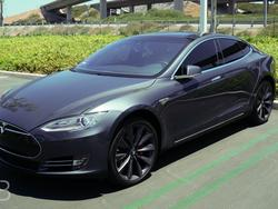 Watch How Easily Thieves Steal a Tesla Model S Using High-Tech Hack