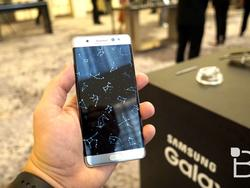 Galaxy Note 7 in Blue coral and silver hit with delays