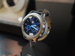 Samsung Gear S3 hands-on: Always on Display, Samsung Pay and more!