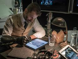 Zack Snyder teases possible Deathstroke scene in Justice League