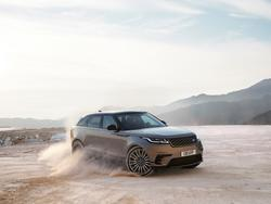 Meet the New Range Rover Velar and all three of its massive displays