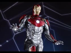Get a detailed look at Iron Man's Mark XLVII armor in Spider-Man: Homecoming