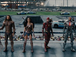 Justice League is still very much a Zack Snyder movie says cast
