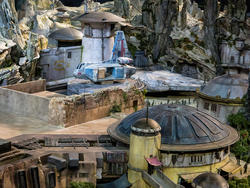 Disney's Star Wars theme parks would've killed 14-year-old me
