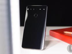 Essential Phone - How Android's Father Failed