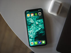 2019 iPhone Won't Adopt Feature Already Making Its Way Into Android Flagships