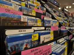 Physical media sales nosedive as streaming soars