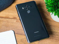 Huawei tried to hype up its Mate 10 Pro with fake reviews