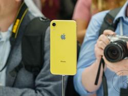 Underwhelming iPhone XR Serves Big Blow to Apple's Suppliers