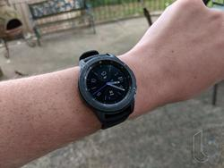 Samsung Galaxy Watch review: All the Beauty, but Bixby's Useless