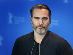 Here's Our First Look at Joaquin Phoenix as the Joker
