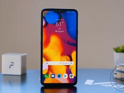 LG V40 ThinQ Features Gorgeous Design and Triple Camera Setup