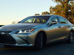 2019 Lexus ES 300H First Drive: A Nice Blend of Tech and Efficiency