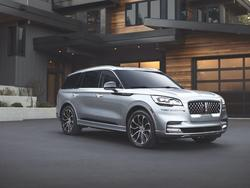 The 2020 Lincoln Aviator Will Literally Greet You When You Board It