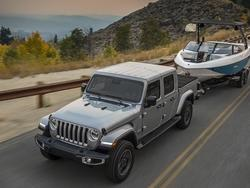 2020 Jeep Gladiator Officially Unveiled and it's Ruggedly Glorious