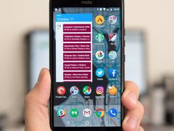 Call up your friends about this deal on the unlocked Moto X4 for $150