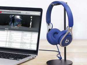 Rid your desk of clutter and keep your headphones safe with this $7 stand