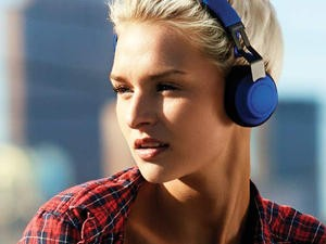 Jabra's affordable Move Bluetooth headphones have dropped to under $40