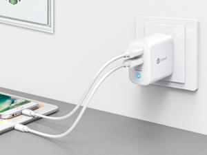 Take this $9 iClever dual-USB universal travel charger with you to Europe