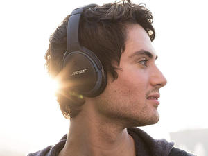 The Bose SoundLink II Bluetooth headphones are on sale for $160