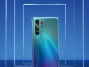 Huawei P30 series appears in leaked marketing images, confirms 10X zoom