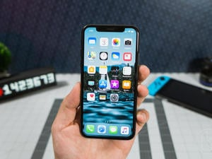 Maximize the battery life of your iPhone X with these battery cases