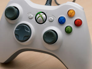 The US Navy will begin using Xbox controllers to control periscopes