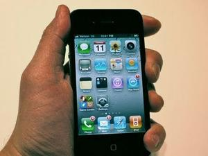 """Verizon iPhone: Does It Have The """"Death Grip""""? (Video)"""