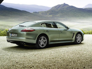 Ugly but Deadly: 2012 Porsche Panamera S Hybrid